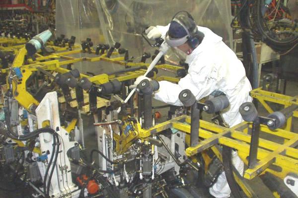 acqua ad alta pressione applicata su banchi di preparazione
